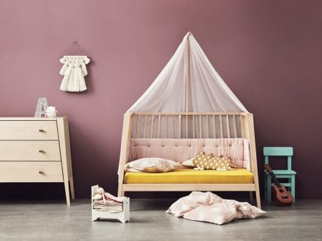 Natural Linea by Leander cot as sofa with canopy in plum kids room
