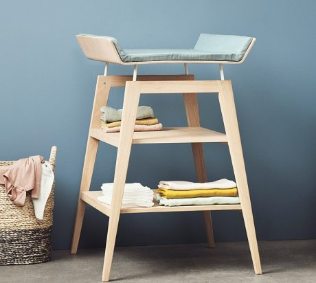 Linea by Leander change table in natural with blue mat