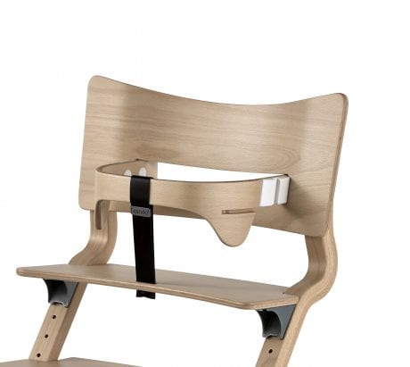 narual wooden hihg chair by Leander with safety bar