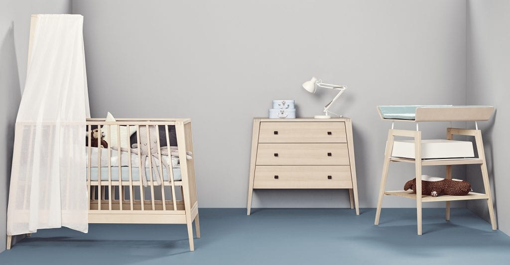 Linea by Leander baby cot with canopy_changetable and dresser in natual