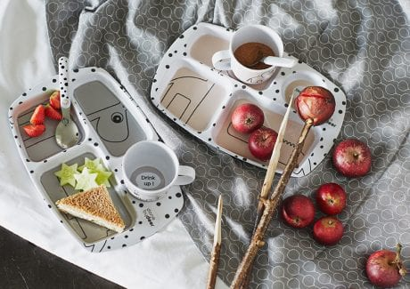 Done by Deer Happy Dots compartment plates with apples and sandwiches