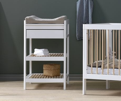 Troll Lukas change table in white with mat in nursery