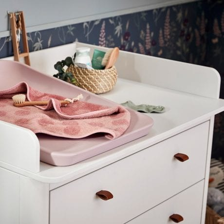 Leander Classic Dresser with Changing Unit and Dusty Rose Matty 2